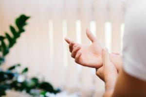 hüvelykujj ízületi fájdalom edzés után)